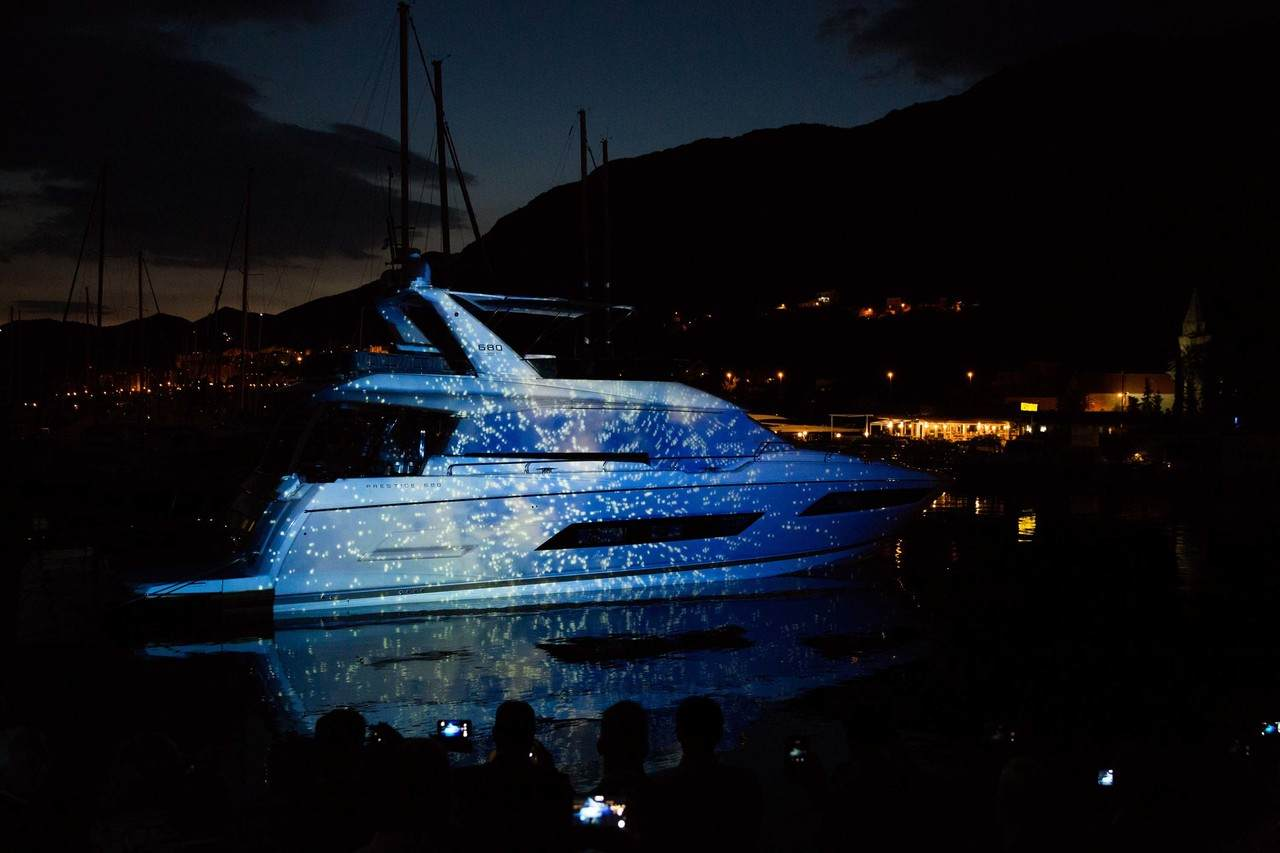 A spectacular 3D show to launch the PRESTIGE 680 at ACI Marina in Dubrovnik. 2