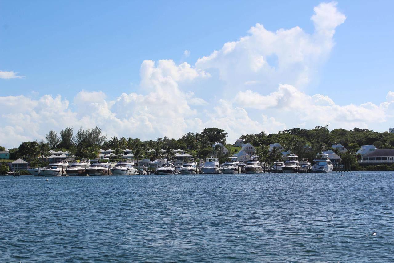 Prestige Yachts Escapade to Eleuthera with InterMarine 19