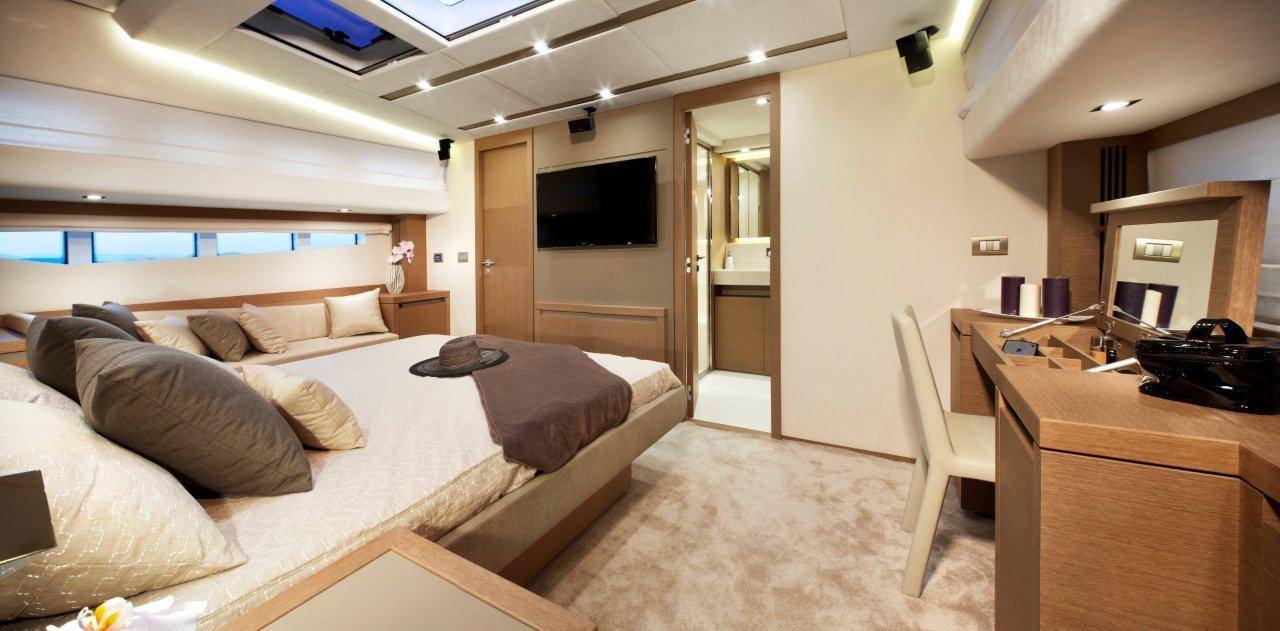 PRESTIGE 750 Interior 25