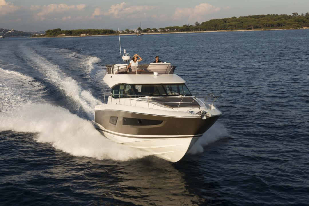 Discover the Prestige boats exhibited on the Istanbul boat show 2