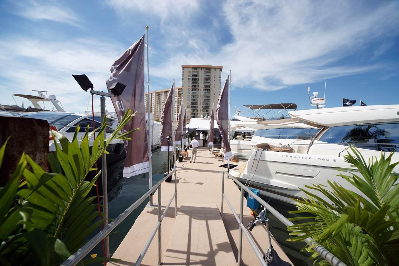 Prestige in Miami boatshow 4