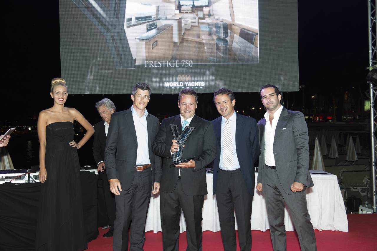 TWO AWARDS FOR THE PRESTIGE 750 AT THE PRESTIGIOUS 2014 WORLD YACHTS TROPHIES 5