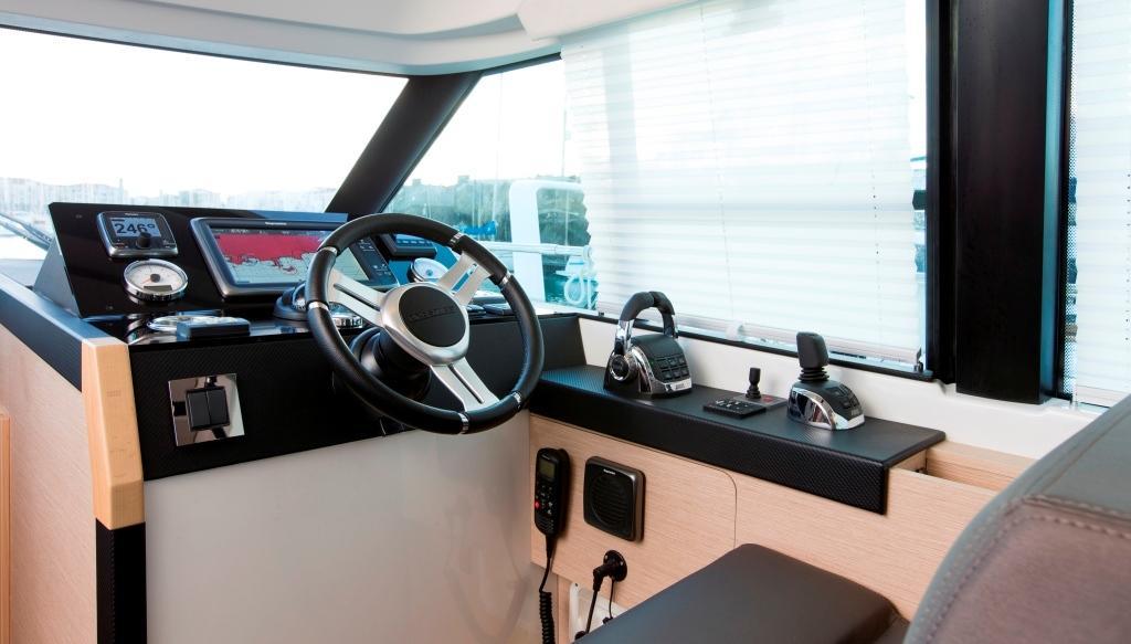 PRESTIGE 420 S Interior 12