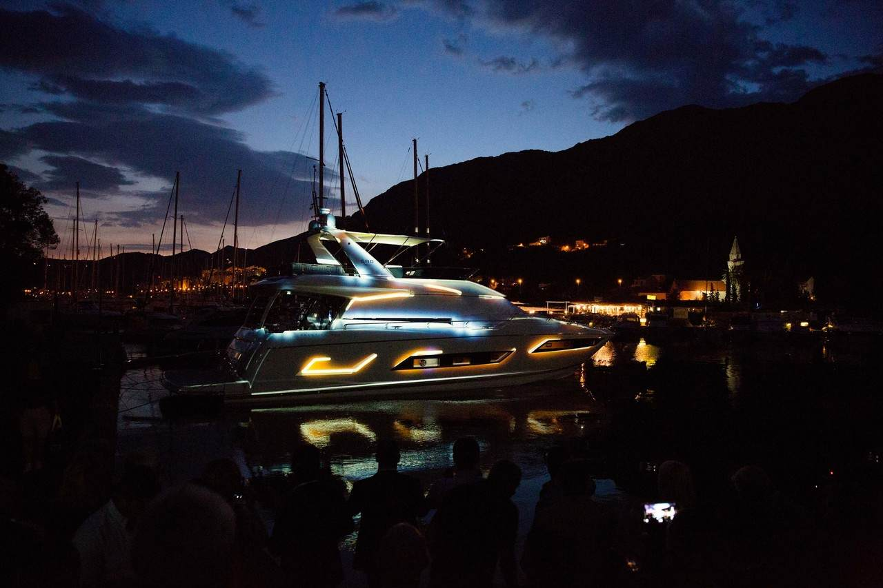 A spectacular 3D show to launch the PRESTIGE 680 at ACI Marina in Dubrovnik. 7