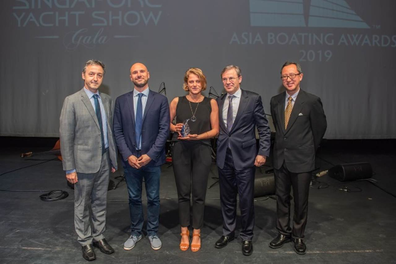 "The new PRESTIGE 520 S awarded at the ""Asia Boating Awards 2019"" 3"