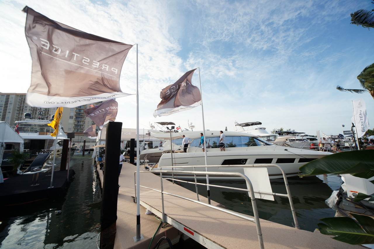 PRESTIGE in Miami Boatshow 2013 1