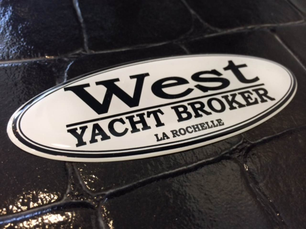 - WEST YACHT BROKER