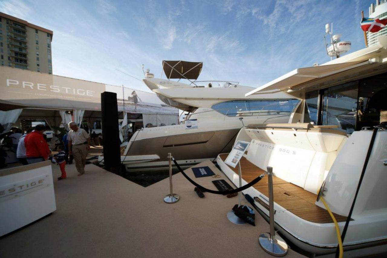 PRESTIGE in Miami Boatshow 2013 6