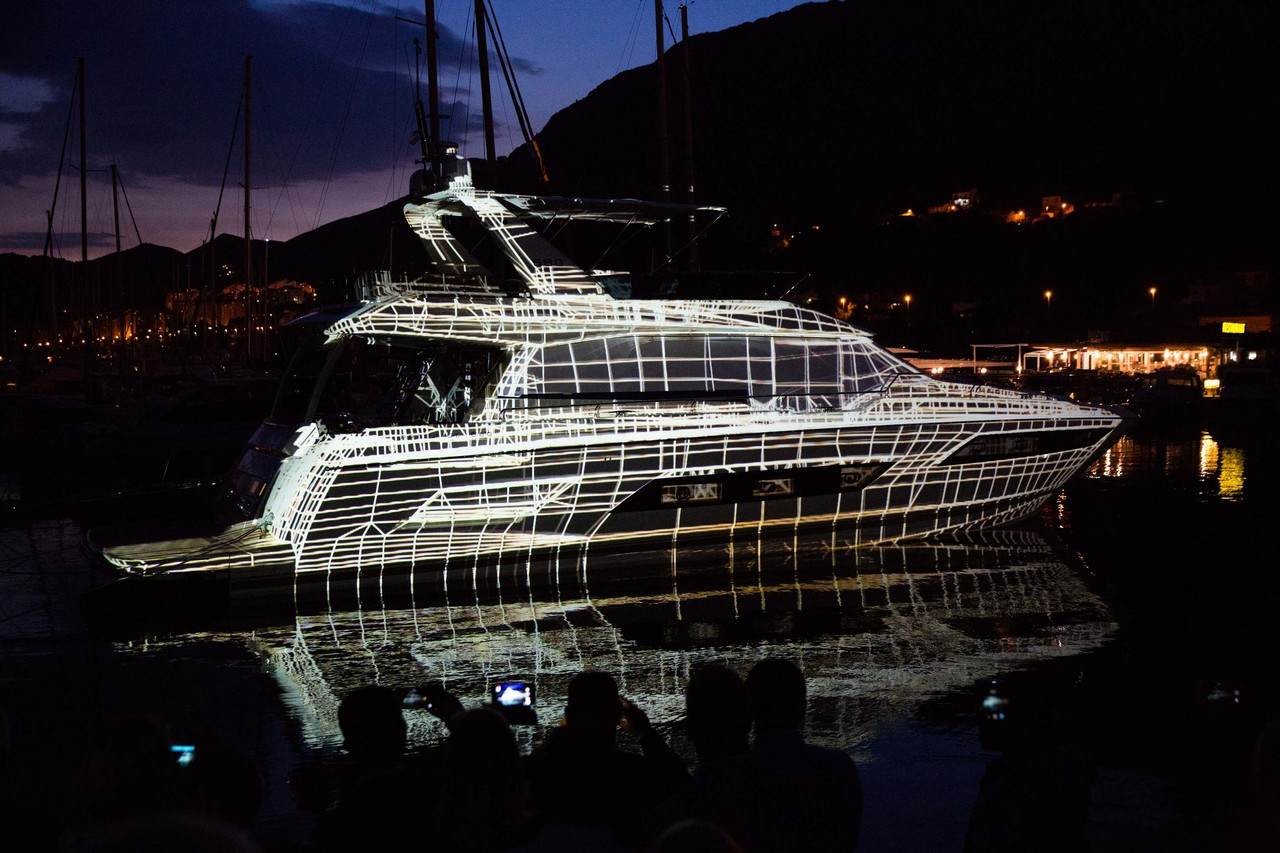 A spectacular 3D show to launch the PRESTIGE 680 at ACI Marina in Dubrovnik. 5