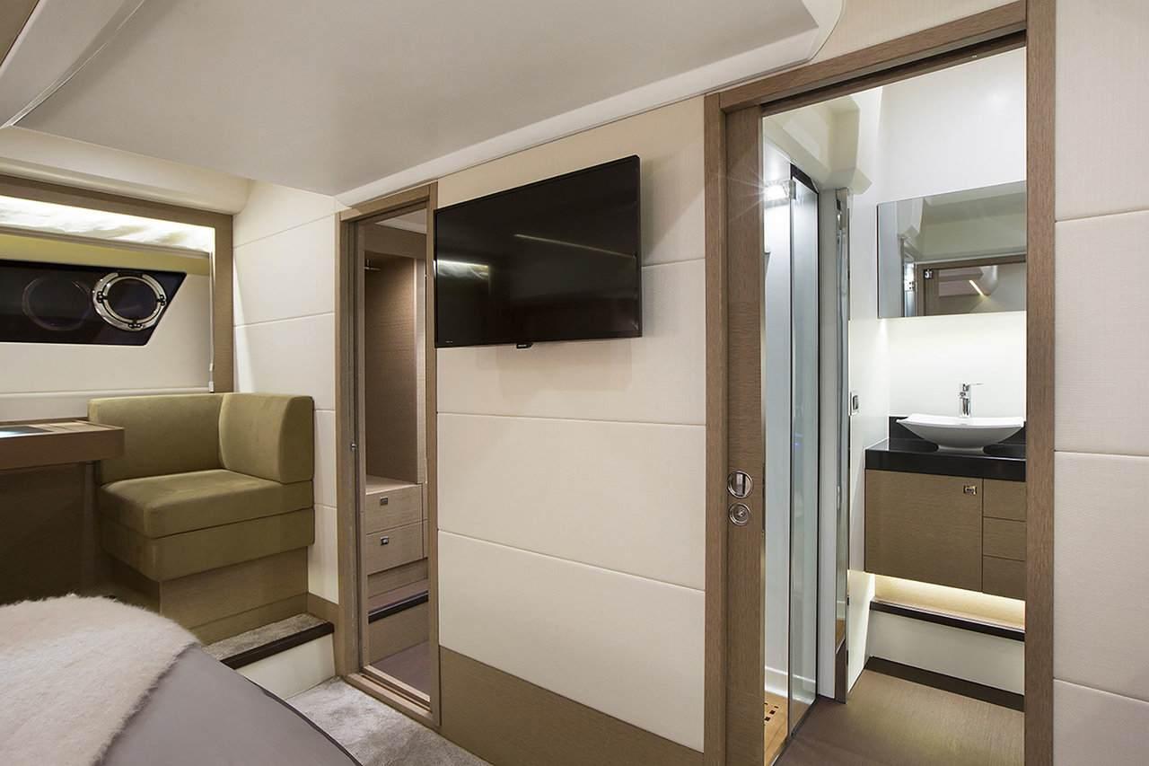 PRESTIGE 560 Interior 3