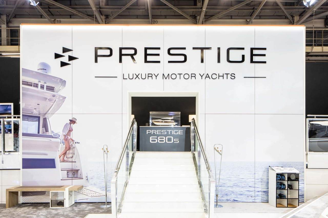 Prestige at Paris Boat Show 5