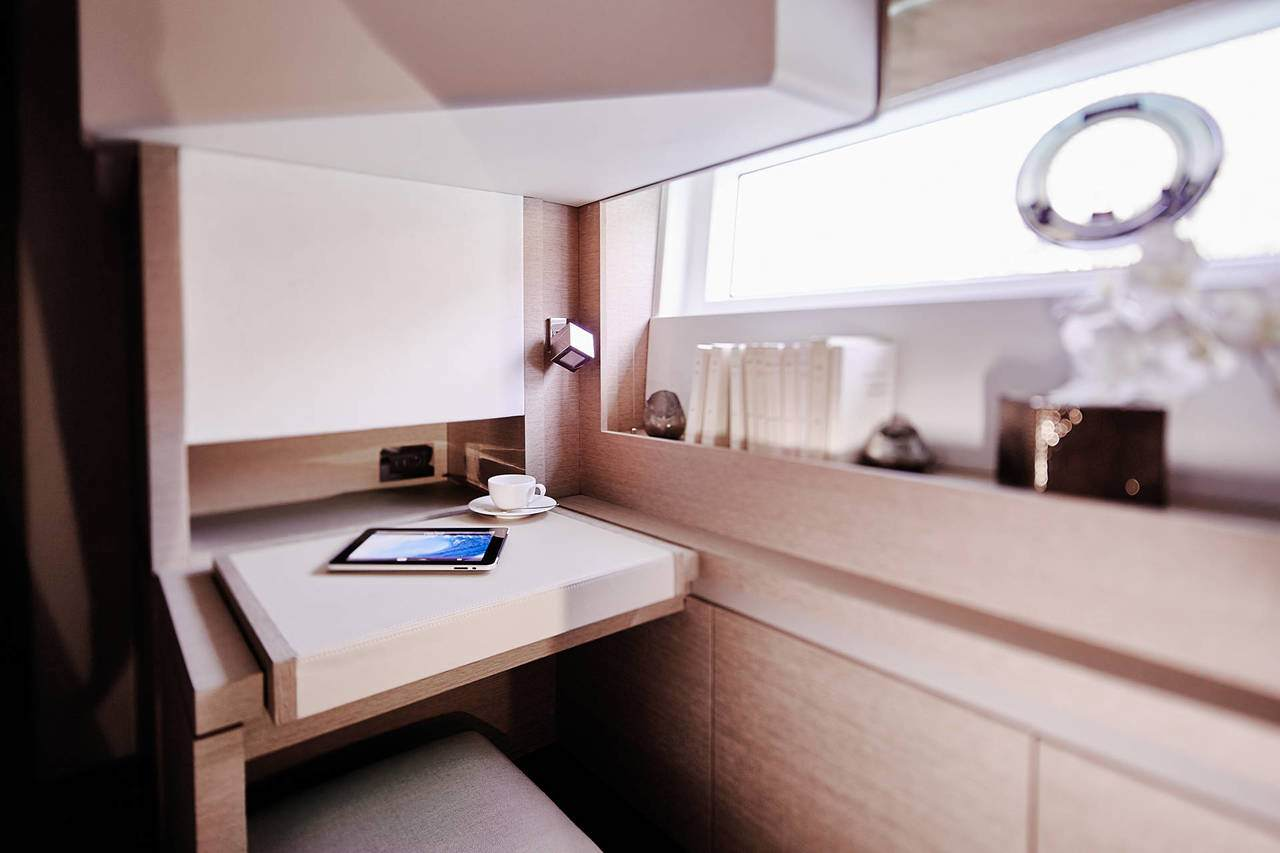 PRESTIGE 680S Interior 11