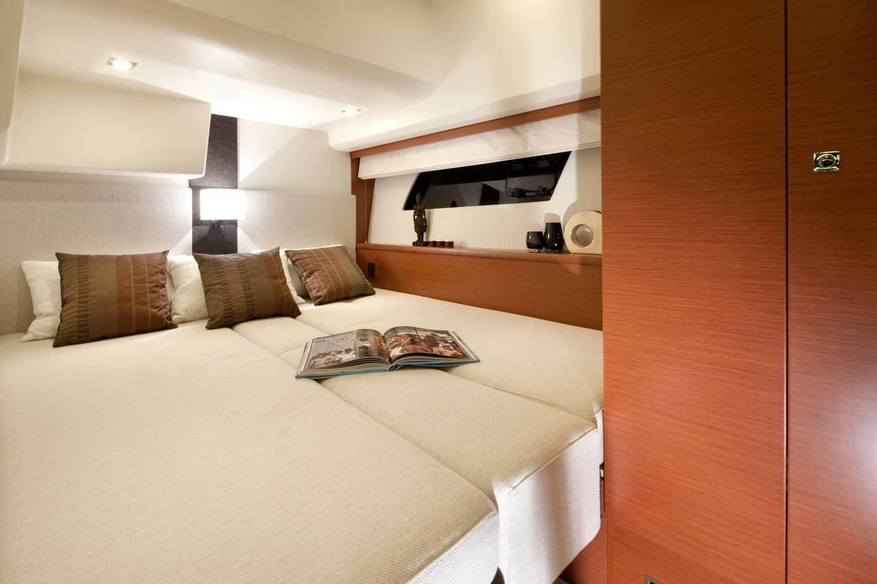 PRESTIGE 500S Interior 28