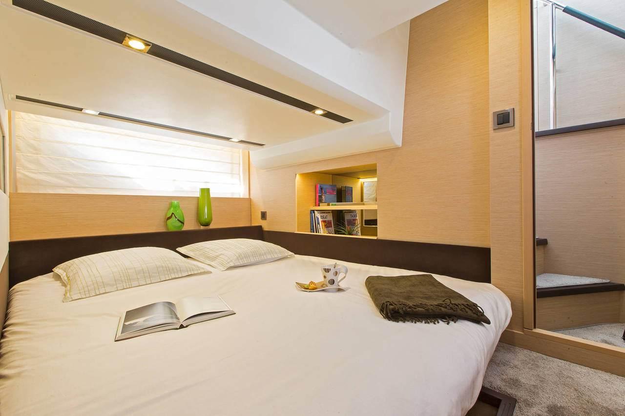 PRESTIGE 420 Interior 11