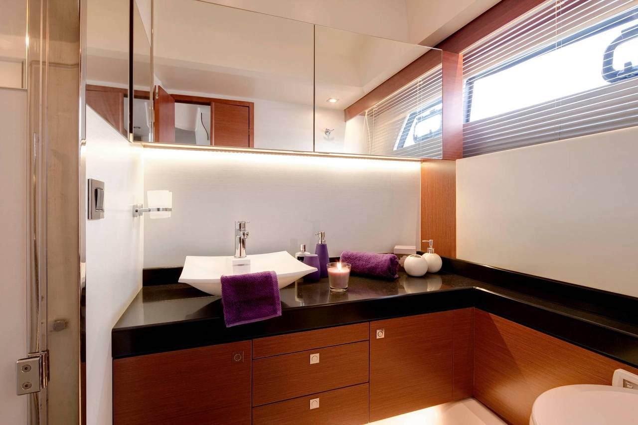 PRESTIGE 500S Interior 29