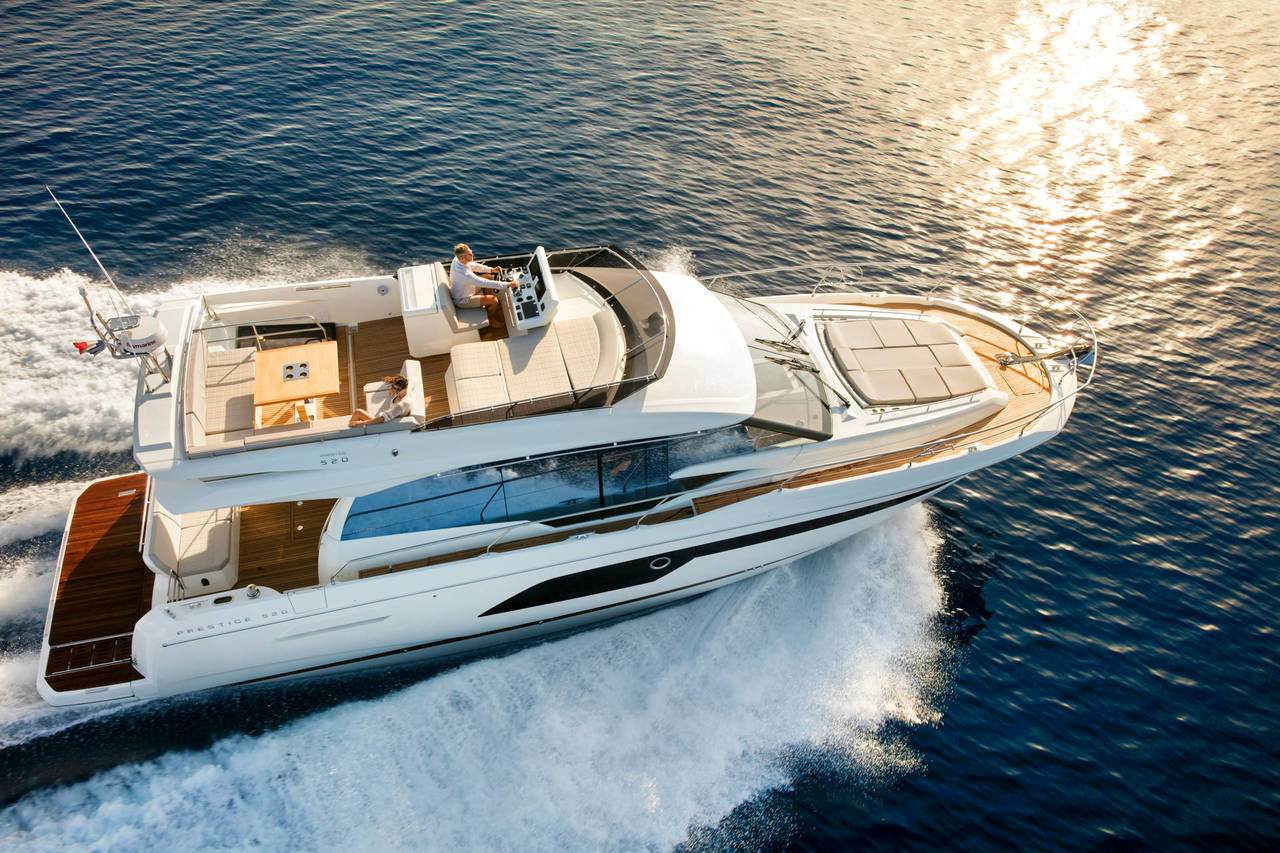 PRESTIGE 520 : the first yacht to integrate the all-new Volvo IPS650 1