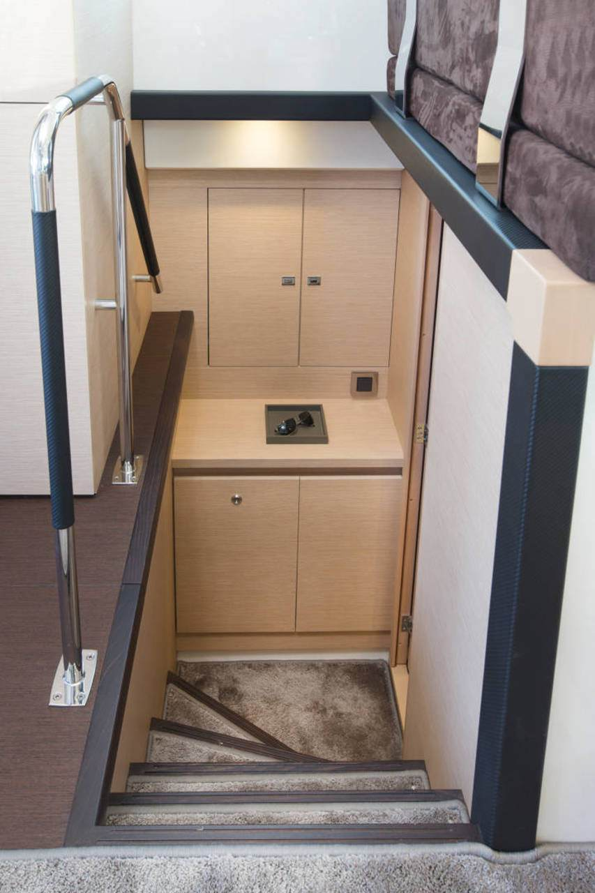 PRESTIGE 420 Interior 7