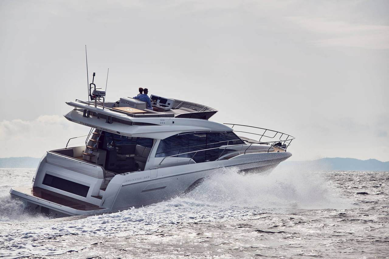 PRESTIGE 520 : the first yacht to integrate the all-new Volvo IPS650 5