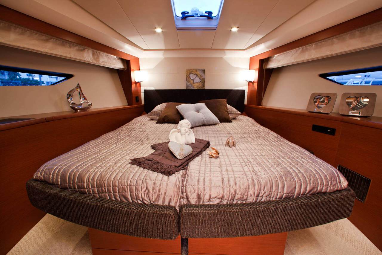 PRESTIGE 500S Interior 16