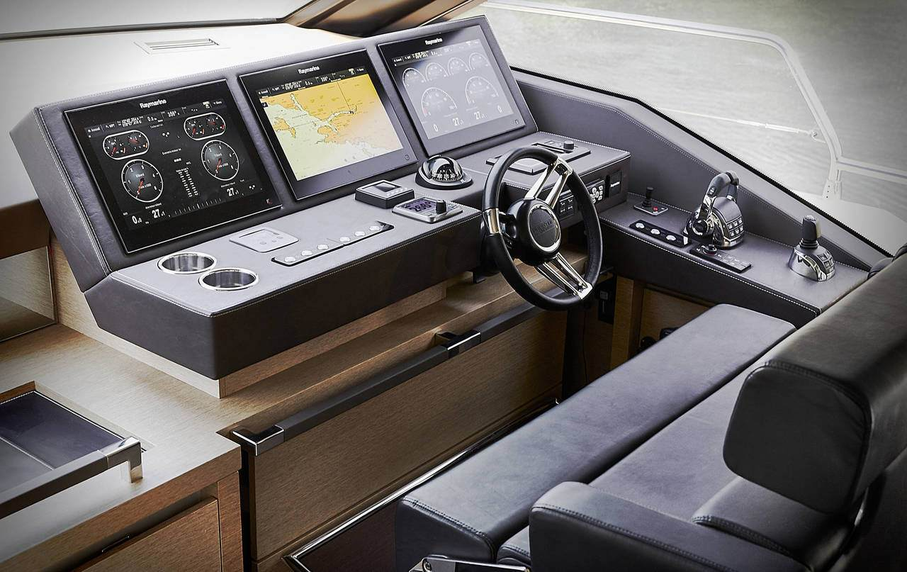 PRESTIGE 680 S Interior 5